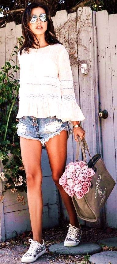 #summer #ultimate #outfits Nude Top  Denim  - more on http://ift.tt/2rynWxj
