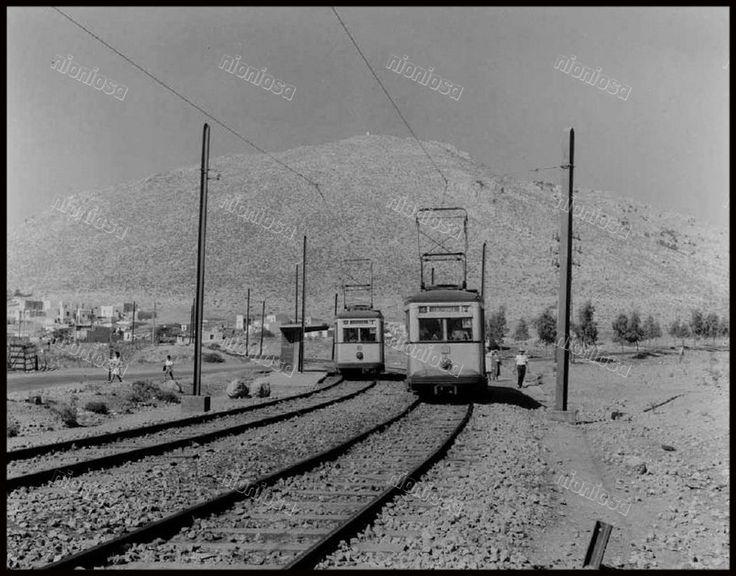 Το τραμ του Περάματος, στην διασταύρωση Σχιστού.