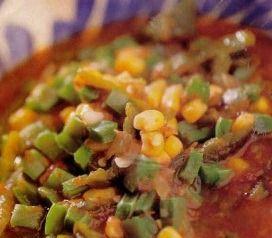 Si te gusta la comida mexicana, esta deliciosa y tradicional sopa tolteca con nopales te sorprenderá.