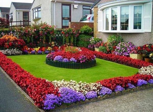 Spring Comes With The Most Beautiful Diy Flower Decorating Ideas For Your Garden And Yard Front Yard Landscaping Front Yard Garden Front Yard Landscaping Design