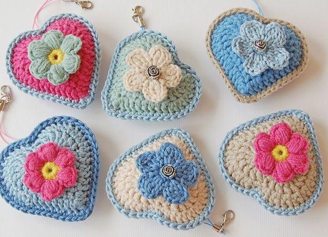 Lovely crochet hearts based on the pattern here: http://jose-crochet.blogspot.nl/2012/09/free-pattern-heart.html