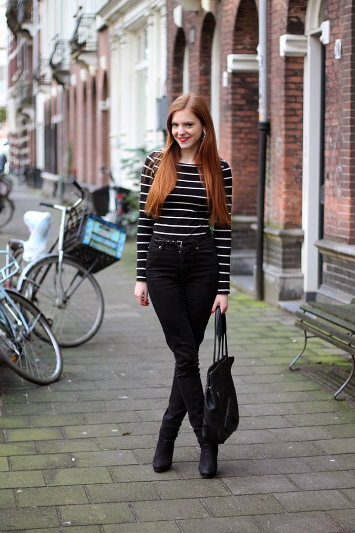 Outfit | When in a Hurry | Striped breton top, earrings and black suede ankle boots from H&M, thin patent belt from Primark and Guardian Angel Shoulderbag from @Vlieger & Vandam | Fashion blogger from Amsterdam, red hair, red lips | More on www.redsonjafashion.com