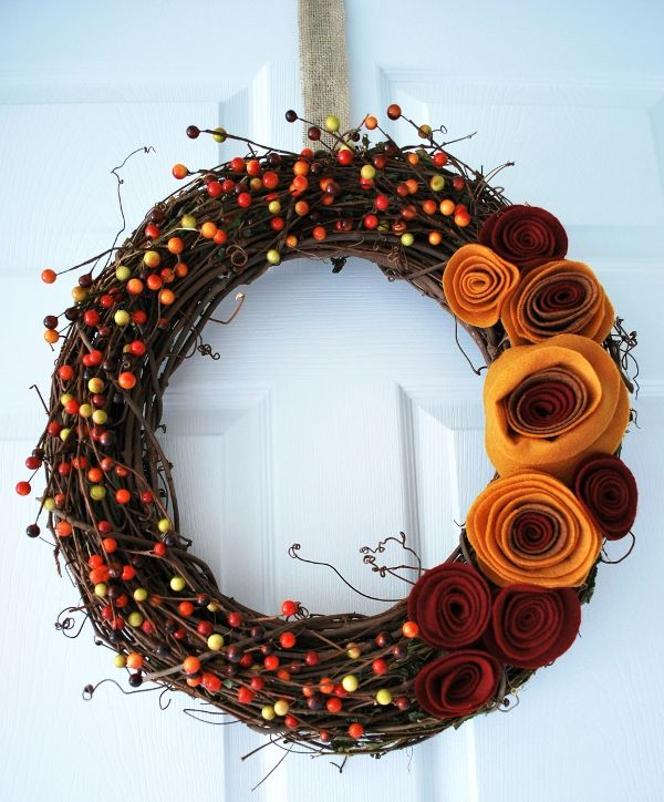 DIY Fall Wreath: Crafts Ideas, Fall Decor, Fall Crafts, Front Doors, Fall Wreaths, Felt Flower, Wreaths Ideas, Autumn Wreaths, Diy