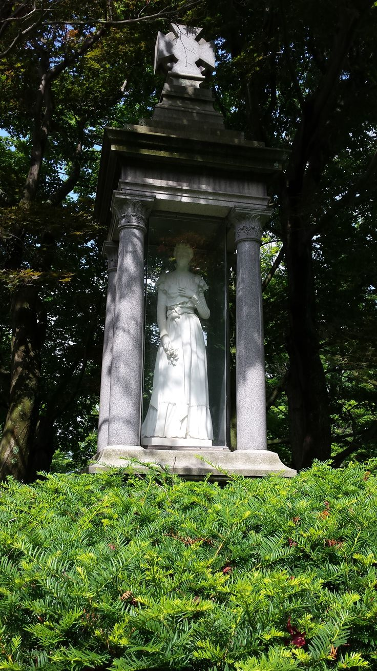 Grace Lavern Galloway The Lady In Glass Lakeview Cemetery Jamestown New York Cementeries