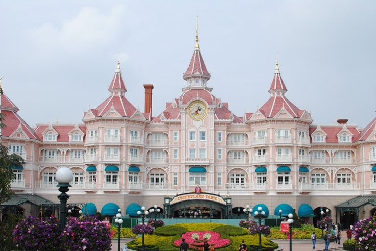 My experience with Disney properties Having been to Disneyland Paris and Walt Disney World several times, with and without kids, and even as a kid, I have come to learn a few things. Most...