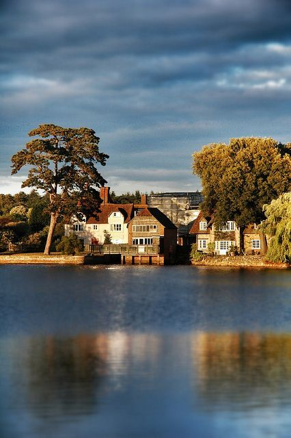 Beautiful Beaulieu in the New Forest. (photo via Rosie Posy on Pinterest)