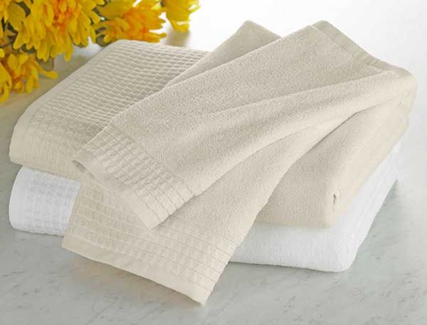 Towels from Tuesday Morning #TuesdayMorning #seektheunique #towels #bath