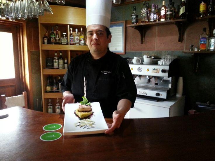 Exponiendo mi nuevo menú para la revista Wikeng Gastronomico y hotel Green Park Pucón