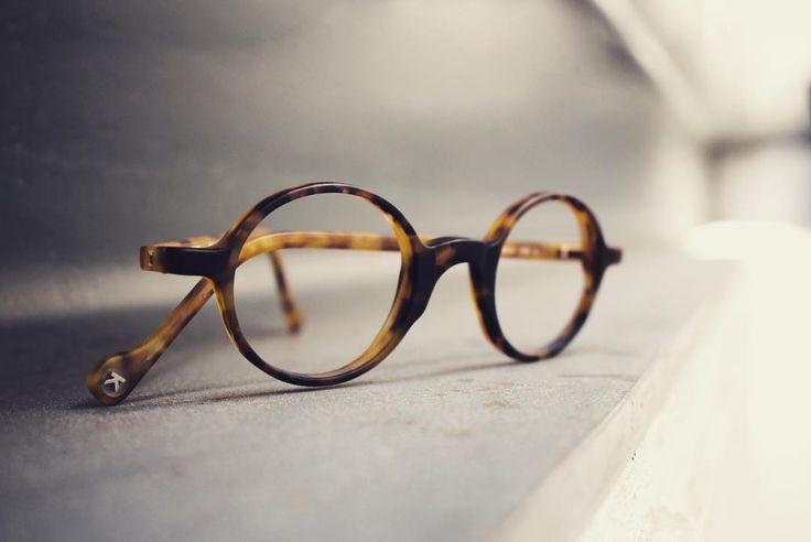 Kinto s'arrondit ;-) modèle 4171. 🐤   #kinto #kintoeyewear #eyewear #swag #new #mod #design #belgium #instadaily #roadtrip #belgiumdesign #belgiumsince1978 #belgiumproud #independent #lunettes #mode #fashioneyewear #eyewearfashion #colorful #headquarter