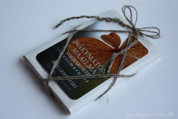 Voimakorttipakka Näkymätön – Runotalon voimakorttikauppa