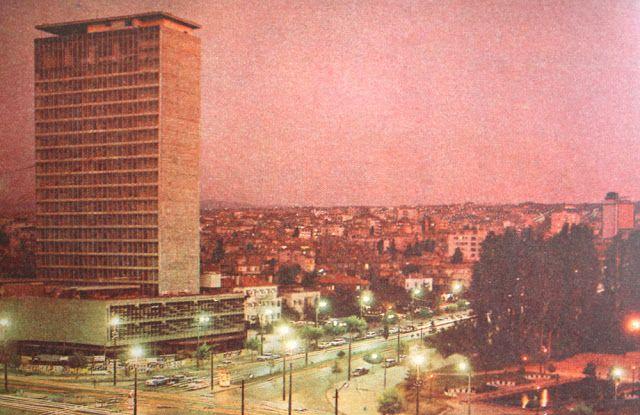 OĞUZ TOPOĞLU : 1970 senesi ankara hürriyet meydanı gece görünümü ...