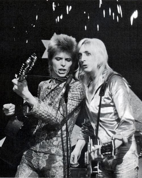 David Bowie and Mick Ronson, 1972. Please like http://www.facebook.com/RagDollMagazine and follow Rag Doll on pinterest and @RagDollMagBlog @priscillacita Instagram rag_doll_magazine https://www.bloglovin.com/blogs/rag-doll-13744543 subscribe to https://www.youtube.com/channel/UC-CB-g60FwQ4U1sJ3ur-Bug/feed?