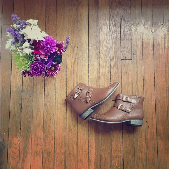 NWOT Bucco Faux Leather Tan Chelsea Boots Never worn Bucco tan Chelsea boots from Nordstrom. Categorized under Zara for exposure. All reasonable offers will be considered! Please feel free to ask me any questions. Thank you for stopping by!  Zara Shoes Ankle Boots & Booties