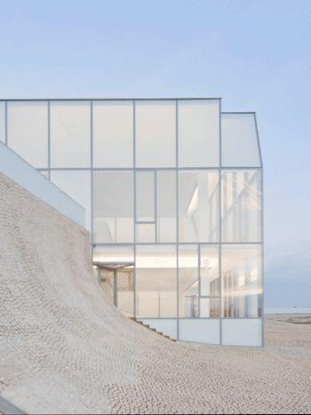 All glass - Steven Holl