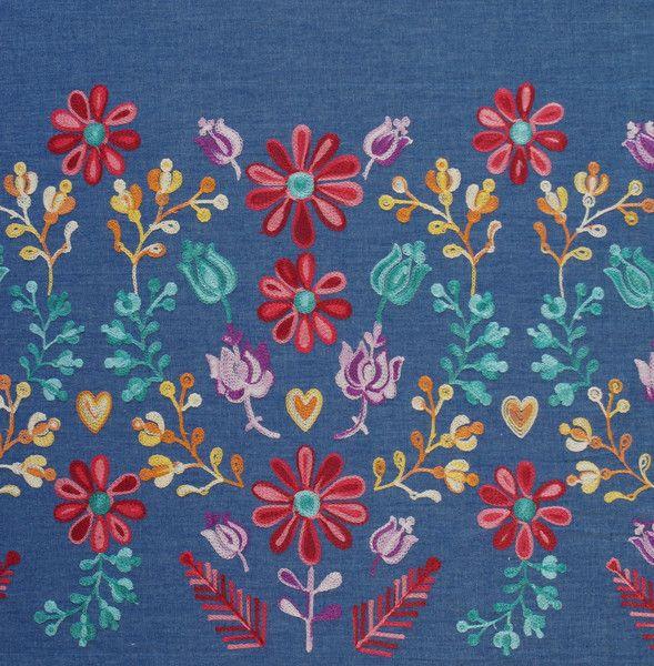 Stoff Blumen - 976 Jeansstoff Blau Blumenrand Stickerei  - ein Designerstück von pretty-child bei DaWanda