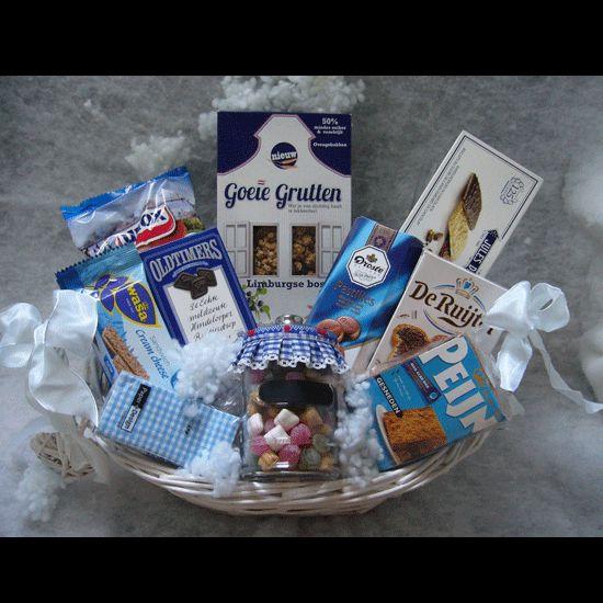 Kerstpakket Oer Hollands Blauw  Een echt oer-Hollands Kerstpakket. Wat je van dichtbij haalt is lekker!!