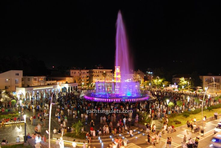 Visit the Marmaris Musical Fountain Square before your blue cruise holiday