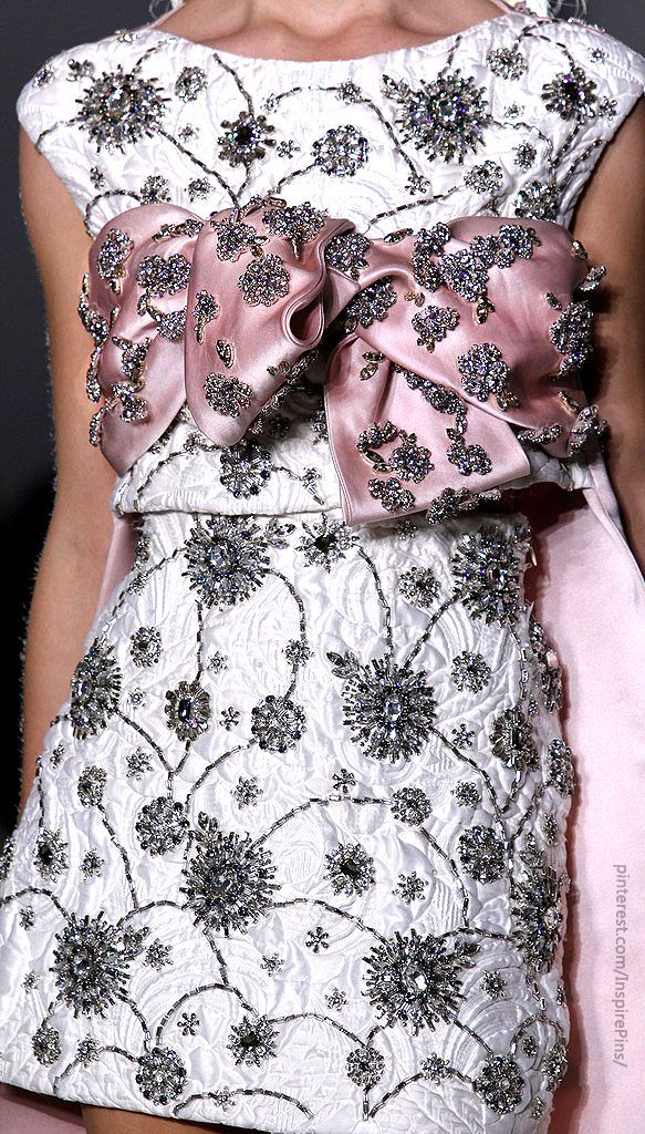 Giambattista Valli | Purely Inspiration http://www.style.com/fashionshows/review/S2014CTR-VALLI/