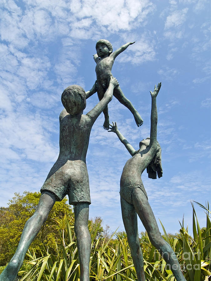 Tresco children statue .. Tresco Abbey Gardens .. ISLES OF SICILY