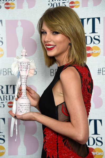 Taylor Swift Photos: BRIT Awards Winners Room