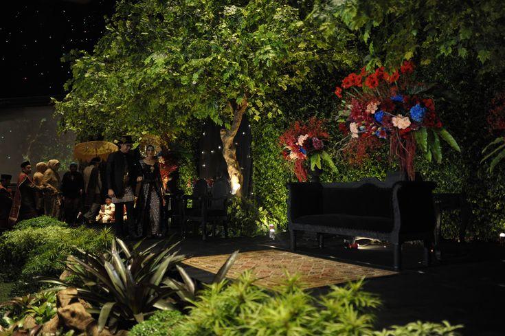 Dekorasi pernikahan dengan adat Minang dan Mandailing - www.thebridedept.com