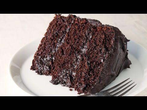 Le plus étonnant des gâteaux au chocolat! Découvrez le secret qui fait de lui le meilleur...  - Ma Fourchette