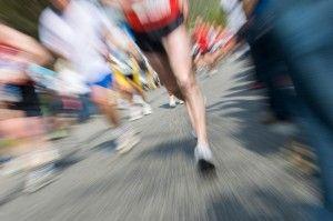 Correr uma maratona. Por que? Já corri 5 meia-maratonas e um novo desafio que envolve corpo e mente irá me deixar motivado e em forma.