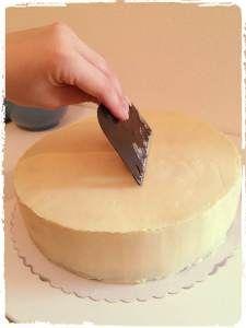 Eine Torte Fondant tauglich machen / Ganache Rezept  – Torte/ Kuchen