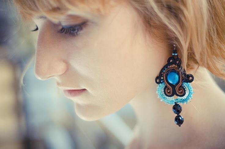 Sutasz-Anka: Aisha- earrings  Model: Alicja Łukasiak  Photo: Albert Łukasiak& Natalia Łukasiak