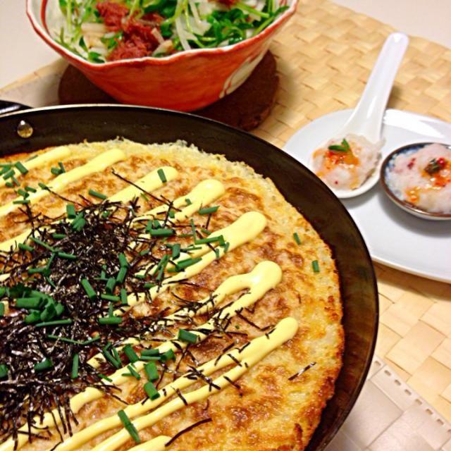 みきやんちゃんの ずーっと☆をつけていたお料理。 やっと作る事が出来ました(^O^)/  胃に優しい、なめらかな口当たり 滋味深い一品でした。 家族全員、あっという間に完食です。 どうもありがとう(*^_^*) ごちそう様でしたm(_ _)m♡♡♡  そのほか ・たこ団子のれんげ蒸し ・野菜のサッと蒸しサラダ  お昼はガツンときたので ごはんや汁物は無しで お茶のみながらいただきました。 - 78件のもぐもぐ - 長芋と豆腐のグラタン@ みきやんさんリスペクト by yokoki