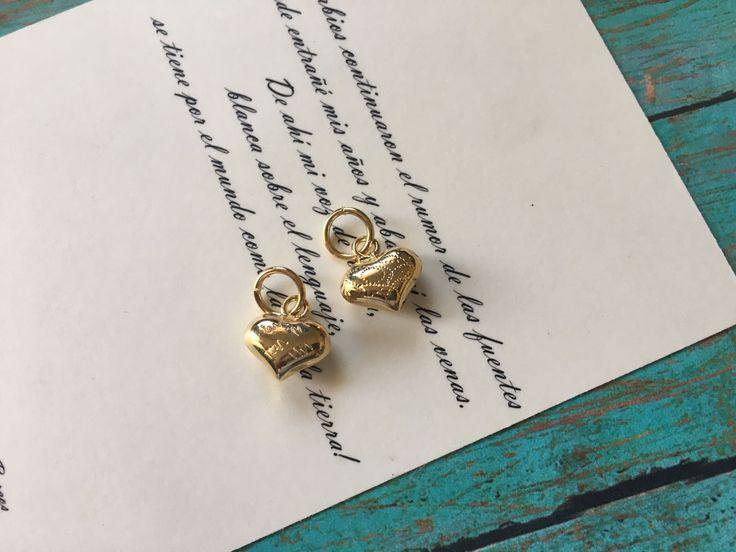221G corazón 1 - Dije de chapa de oro, medida 1.4 cm, peso por pieza 1.8 cm, precio por gramo Mayoreo $8.5 precio Menudeo $ 10.5 .