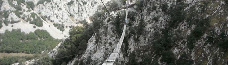 Puente tibetano más largo de España: Vía Ferrata de La Hermida (Cantabria, España). Longest tibetan bridge in Spain.