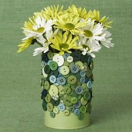 tin can covered with buttons - 20 Cute & Clever Tin Can Crafts at http://jamiebrock.hubpages.com/hub/cute-clever-tin-can-craft-projects#