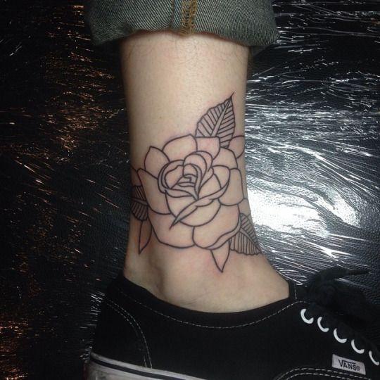 Megan Rose. Tattoo Artist.