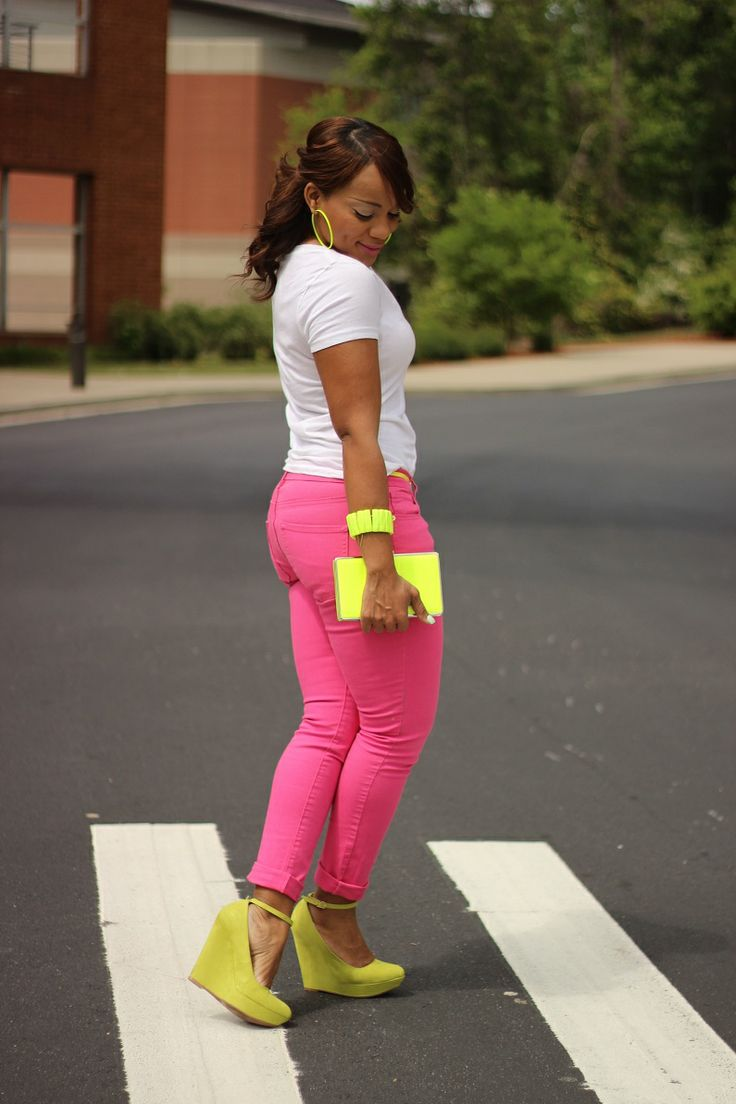 white vneck shirt hot pink skinny jeans neon yellow