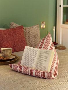 Ob auf dem Sofa oder im Bett, mit dieser Buchstütze können Sie ganz bequem lesen. ohne Nackenschmerzen zu bekommen - eignet sich auch perfekt als Weihnachtsgeschenk.