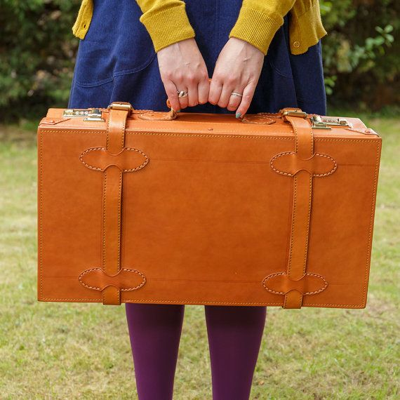"22"" hand-made cabin size suitcase by Camden Leatherworks in classic vintage styling."