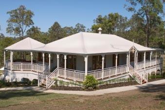 Classic Queenslanders Home Designs: Willowgum. Visit www.localbuilders.com.au/builders_queensland.htm to find your ideal home design in Queensland