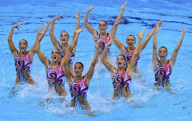Synchronized Swimming: Team Technical Routines - britian