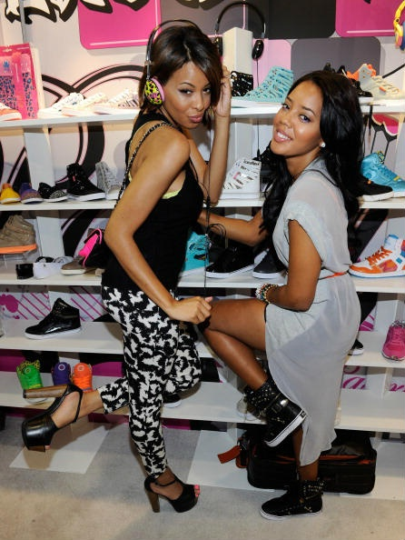 Vanessa Simmons (L) and Angela Simmons