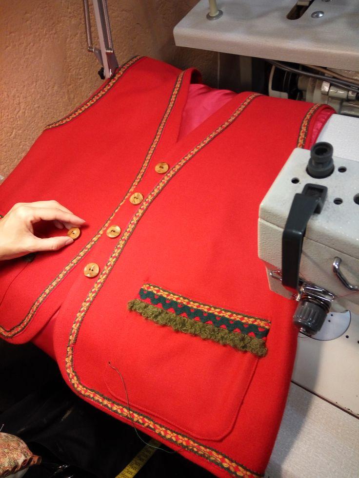 Chaleco Papá Noel. Inspiración nórdica #confección #sewing #costumes #navidad