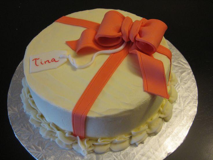 Ribbon and Bow Birthday Cake, Vanilla Cheesecake with Vanilla Creamcheese icing - Cocoabai Cakes