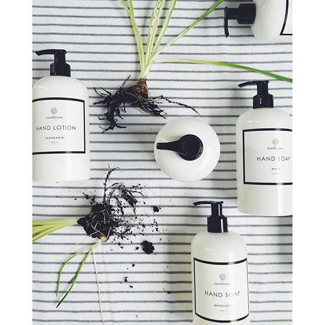 White simplicity with black lines and fresh fragrance. Amazing new soap and hand lotion  #tinekhome #tinek #news #soap #handlotion