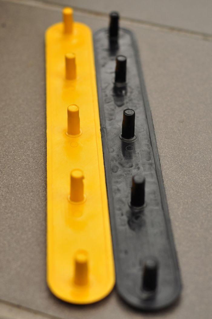 műanyag vakvezető elem / plastic tactile bar