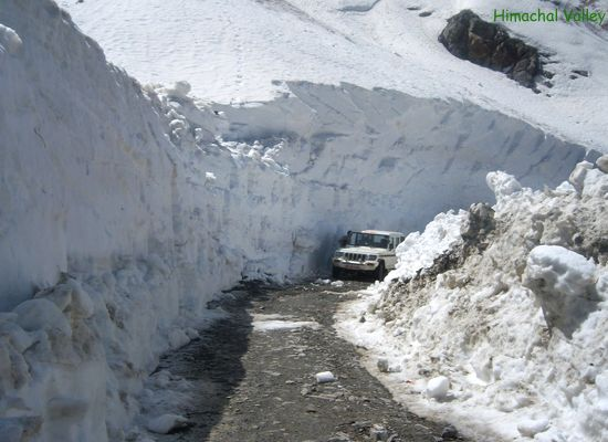 Rohtang Pass is considered as 'Highest Jeepable Road in the World' offering excellent scenic view to impress the travelers on this Pass.