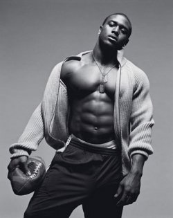 Reggie Bush YumDreams Man, Football Seasons, Football Players, Future Husband, Athletic Style, Fantasy Football, Eye Candies, Reggie Bush, Football Team