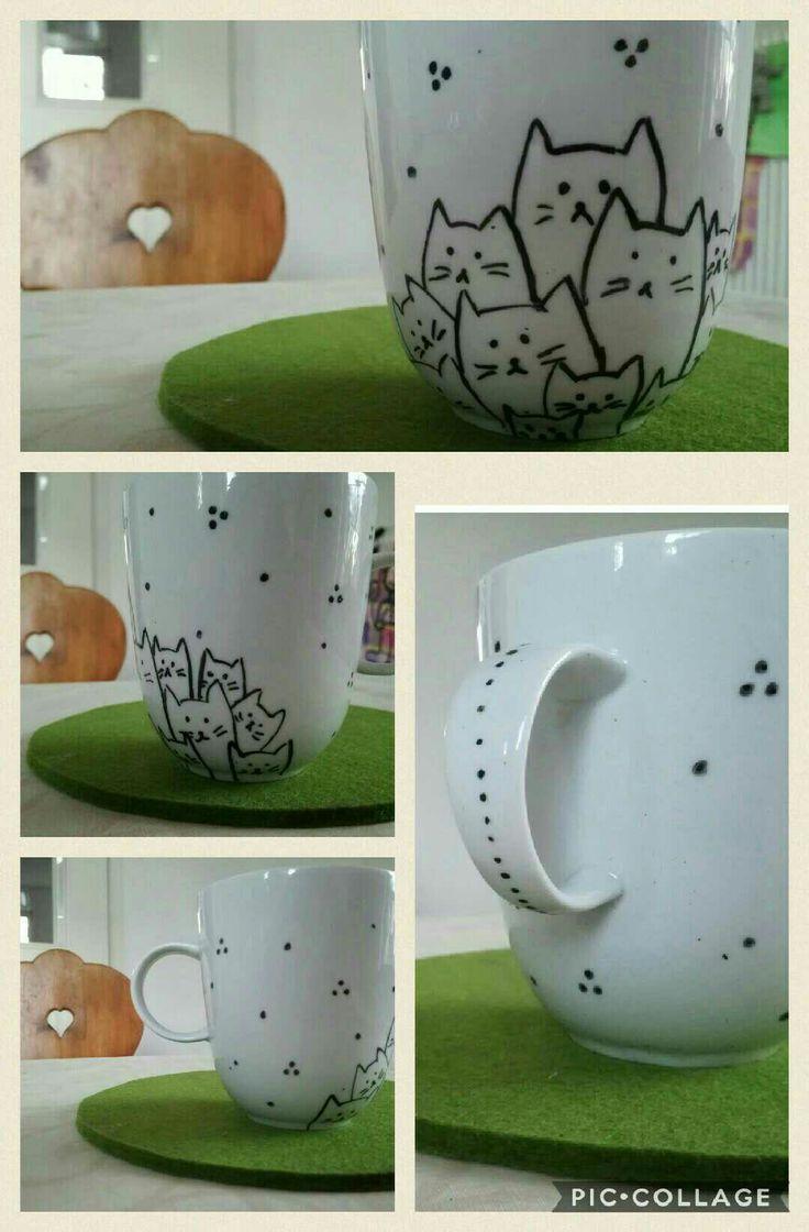 DIY Mug with cats and dots motive #DIY #Mug #Cat #gift #present