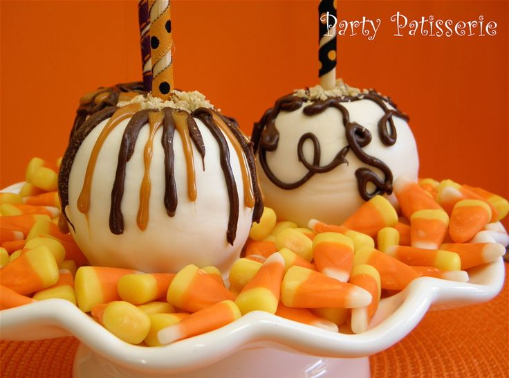 halloween candy apples covered in white chocolate - Caramel Apple Ideas Halloween