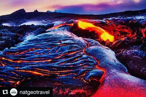 O parque nacional dos vulcões, na Big Island, no Havaí, é um destino imperdível para quem viaja ao arquipélago. Alem de poder passear ao redor da lava, voos de helicóptero também são uma ótima pedida. Thanks for the Photo @FransLanting and @natgeo for posting! #Volcano #Kilauea #BigIsland #Lava #Adventure #hawaii #instafoto #vulcao #havai #ctoperadora #seupontodepartida #wanderlust #viajar #travel #viagem #trip #wanderlusting #