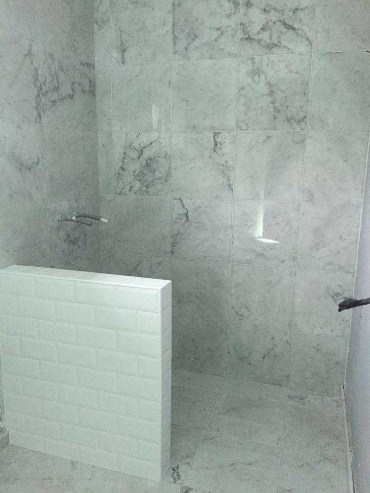 Badrum med italiensk marmor